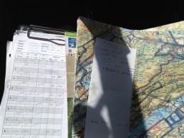 Le pilote en place droite s'amuse tout autant que le pilote ! Log de nav, log de carburant, clairances (France, Suisse)
