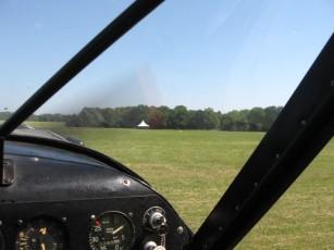"""Au moment de l'alignent, 2 hélicoptères Ttigre on fait un passage. Les """"copains"""" du car du matin ;o)"""