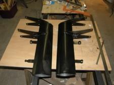 fabrication des 2 jambes de train en tole mise en forme sur forme en bois